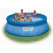 Bazény a vodní sporty