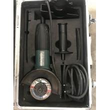 VÝPRODEJ MAKITA GA5030RSP4 Uhlová bruska 125mm, ALU kufr + 4ks brusných kotoučů + 1ks diamantový kotouč + čepice PO SERVISE, BEZ KOTOUČŮ!!