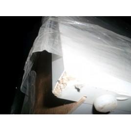 VÝPRODEJ INTEDOOR NEW YORK vysoká koupelnová skříňka 35 cm, závěsná pravá, bílá R__NYSV35P/01 ODŘENÉ HRANY, RÝHA NA DVÍŘKÁCH SPODNÍCH